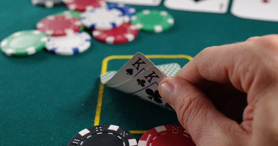 Guia de pôquer para fazer a mão vencedora