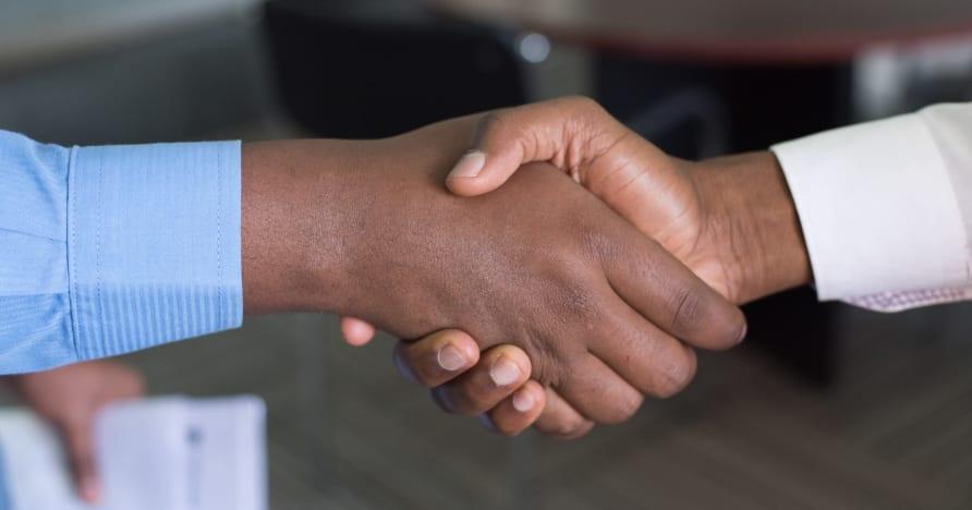 Evolution estende parceria com a Entain no Reino Unido